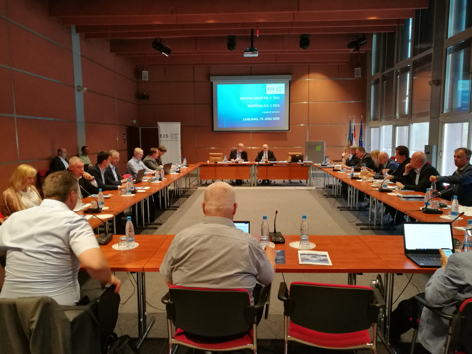 V nastajanju nova, šesta sekcija EZS